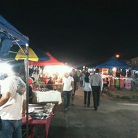 Photo taken at Uptown Perda Night Market by Mohamad Zawawi M. on 2/15/2012