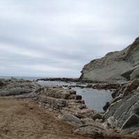 Photo taken at Itzurun | San Telmo Beach by Samanta on 8/29/2012
