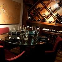 Foto tirada no(a) Medit Restaurante por Eduardo F. em 8/21/2011