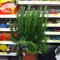 6/27/2011にEdward Y.がWalmart Supercenterで撮った写真