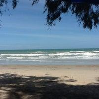 Photo taken at Mae Rumphueng Beach by บัวบาน ก. on 8/12/2012