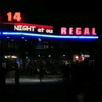 Das Foto wurde bei Regal Cinemas Union Square 14 von Adam P. am 10/18/2011 aufgenommen