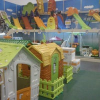 "Photo taken at Toys""R""Us by Elsepawer on 10/11/2011"