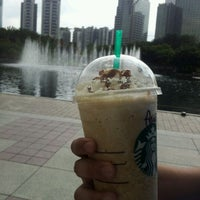Photo taken at Starbucks by Wanie Y. on 11/2/2011