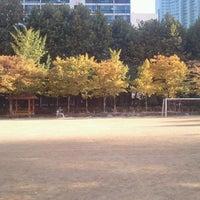 Photo taken at 윤중초등학교 by jiwon j. on 10/25/2011