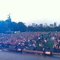 Снимок сделан в Robin Hood #Concert4NYC пользователем dj ShadowReD 9/30/2011