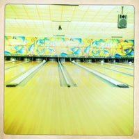 Photo taken at Ft Eustis Bowling Alley by Dennissa on 6/7/2011