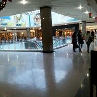 Photo taken at Bauru Shopping by Vitor Hugo R. on 11/11/2011