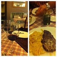 Foto tirada no(a) Cantina di Napoli por Dany B. em 5/5/2012