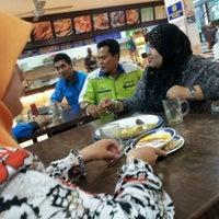 Photo taken at Nasi Kandar Pelita by Sharifah M. on 3/14/2012