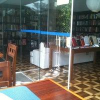 Photo taken at Ponto do Livro by Guilherme R. on 2/5/2011