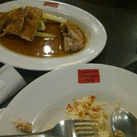 Photo taken at Singapore Chicken Rice - Emporium Pluit Mall by Jess A. on 1/23/2012