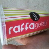 Foto tomada en Raffa Gelati por Frederic A. el 6/23/2012