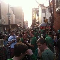 Foto tirada no(a) Cavanaugh's Rittenhouse por Leo O. em 3/17/2012