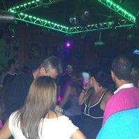 Foto tomada en Clan Cabaret por David V. el 8/13/2011