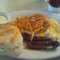 Photo taken at Elmer's Restaurant by Chris E. on 9/17/2011