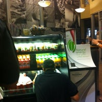 Снимок сделан в Starbucks пользователем Franco S. 7/24/2012