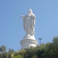 Foto tirada no(a) Virgen Cerro San Cristóbal por Rodrigo M. em 12/8/2011
