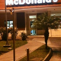Photo taken at McDonald's by Rodrigo F. on 7/12/2012