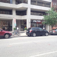Das Foto wurde bei Filter Coffeehouse & Espresso Bar von Victor Z. am 5/16/2012 aufgenommen
