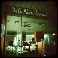 Photo taken at Deli Nasi Lemak by Azrie M. on 12/24/2010