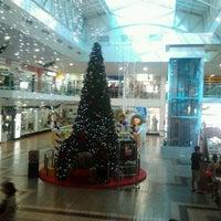 Foto tirada no(a) Center Um Shopping por Nilton T. em 12/8/2011