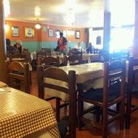 Foto tomada en La Tía por Carlos E. el 6/2/2012