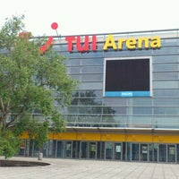 Das Foto wurde bei TUI Arena von Sonja Johanna D. am 6/19/2012 aufgenommen