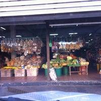 Photo taken at Pasar Kraftangan (Handicraft Market) by ♭Ξ ℳ♭Ξ Ƙ ™. on 7/20/2011