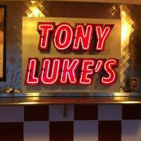 Das Foto wurde bei Tony Luke's von Darrel J. am 3/12/2012 aufgenommen