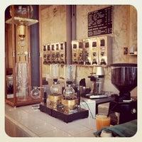 Photo taken at Coutume Café by 💥💱Ashwin D. on 1/25/2012