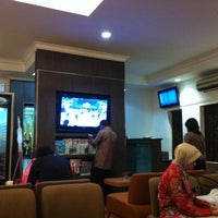 Photo taken at Garuda Indonesia Executive Lounge by Mirza Y. on 12/17/2011
