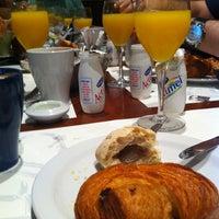 Foto tomada en Café Oliver por Ido B. el 10/23/2011