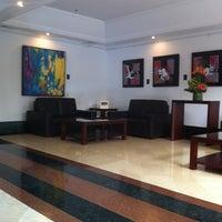 Foto tomada en Hotel NH Bogotá Metrotel Royal por Jose Luis B. el 8/25/2011