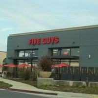 Photo taken at Five Guys by Vicky T. on 1/11/2011