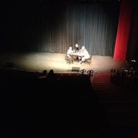 Foto tomada en The Milburn Stone Theatre por Andrew M. el 5/10/2012