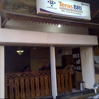 Photo taken at Teras BRI Kiaracondong by Apria W. Alfisa on 6/30/2011