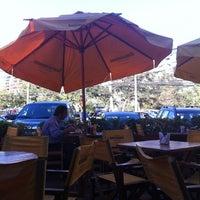 Foto tomada en La Fuente Vitacura por Pedro B. el 3/27/2012