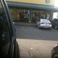 Снимок сделан в Starbucks пользователем Will H. 12/31/2010