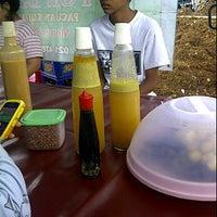 Photo taken at Bubur Chiken PON DJAYA by IyensQu R. on 1/29/2012