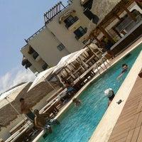 Foto tomada en Kool Beach Club por elva e. el 5/6/2012