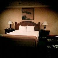Photo taken at San Jose Airport Garden Hotel by Ilhwan C. on 11/9/2011