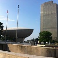 Photo prise au Empire State Plaza par Lucas C. le7/17/2012