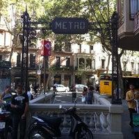 Photo taken at METRO Urquinaona by David R. on 7/28/2011