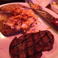 Photo taken at Texas Roadhouse by Mitch S. on 9/4/2012