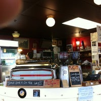Photo taken at Memphis Belle Coffee House by Christian D. on 4/1/2012