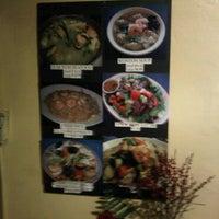 Photo taken at Grandma's Thai Kitchen by akarapit s. on 2/24/2011