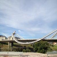 Foto tirada no(a) A Ponte do Milenio por Y I V em 8/31/2012