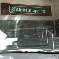 Foto tirada no(a) AlphaShopping por Cris D. em 6/4/2011