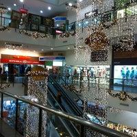 Foto tirada no(a) Miramar Shopping por Ricardo P. em 1/6/2012